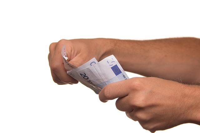 Krátkodobá půjčka před výplatou: komu přijde vhod?